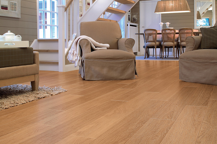 Natural Varnished Oak: classic  by Quick-Step, Classic