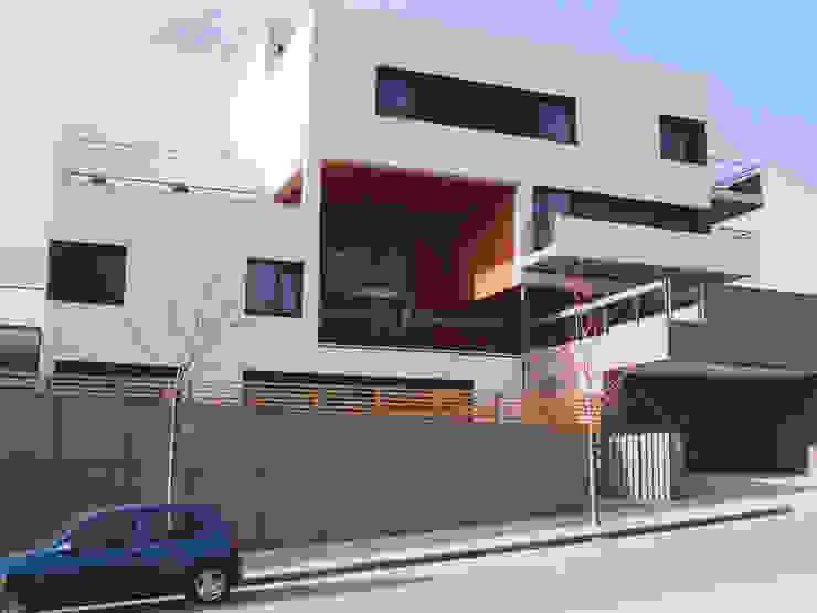 Apartamentos Vallveric. Mataró. Barcelona Casas de estilo moderno de MSA+A Adolf Martínez/Josep Lluís Sisternas, arquitectes i ass. Moderno