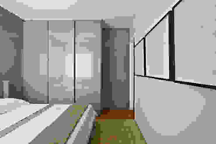 Eclectic style bedroom by Nara Cunha Arquitetura e Interiores Eclectic