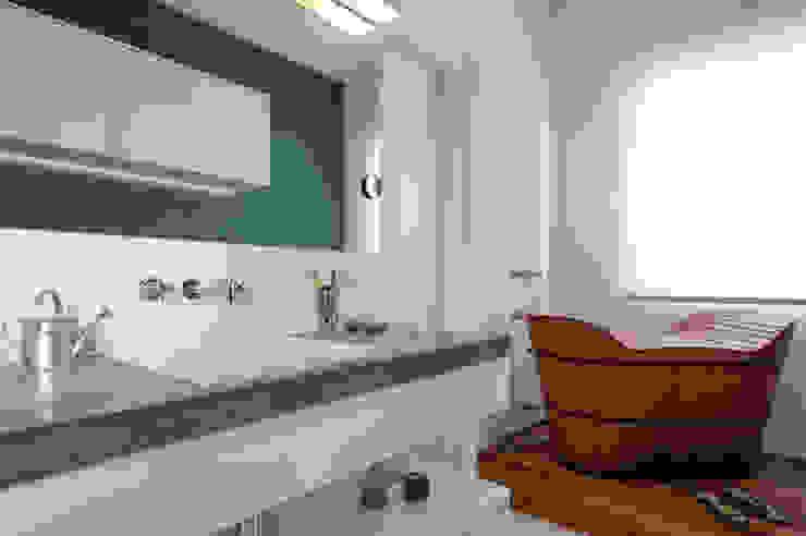 Manoel Guedes Banheiros industriais por PM Arquitetura Industrial