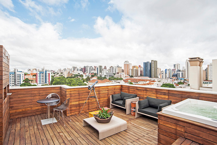 Apartamento masculino em Curitiba Varandas, alpendres e terraços modernos por Evviva Bertolini Moderno