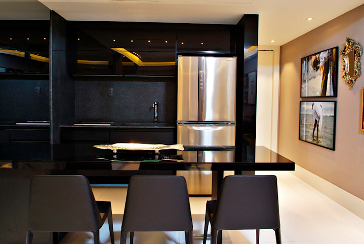 Kitchen by Evviva Bertolini,