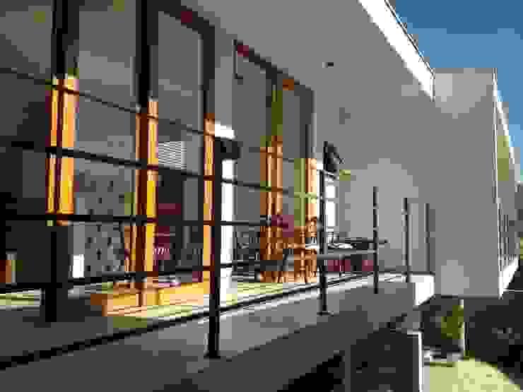 residência em sorocaba Casas modernas por nzaa arquitetura e urbanismo Moderno