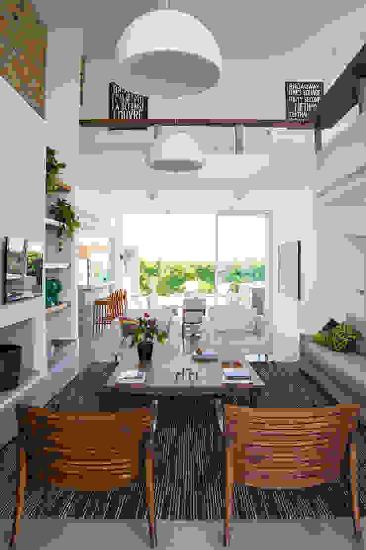 CASA VENTURA M22 Salas de estar modernas por SBARDELOTTO ARQUITETURA Moderno