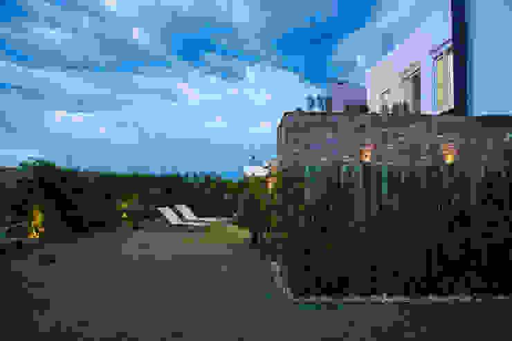 SBARDELOTTO ARQUITETURA Jardines de estilo moderno
