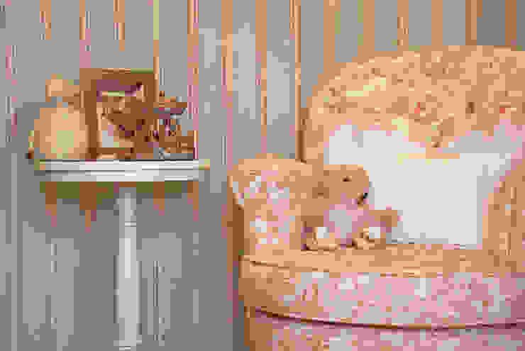Neoarch Nursery/kid's roomDesks & chairs