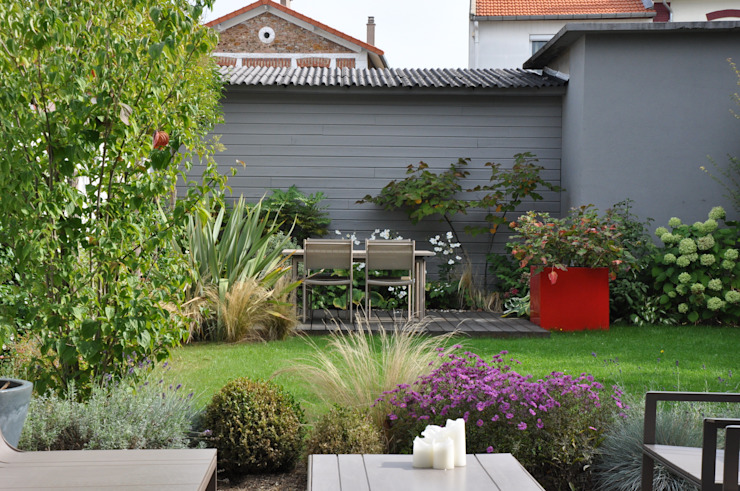 UNJARDIN DE VILLE Jardin moderne par GARDEN TROTTER Moderne
