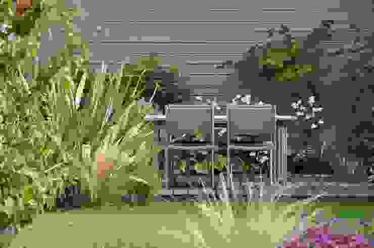 Jardines de estilo moderno de GARDEN TROTTER Moderno