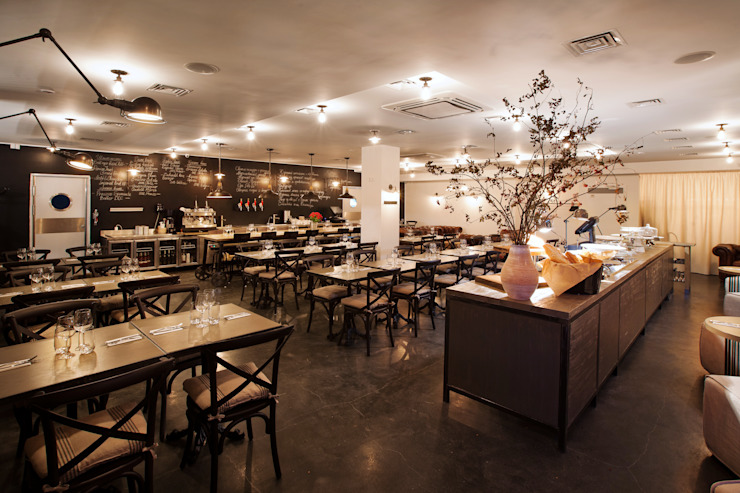 Restaurant SPOON Minsk Belarus Бары и клубы в стиле лофт от GALONSKAYA & CO Лофт
