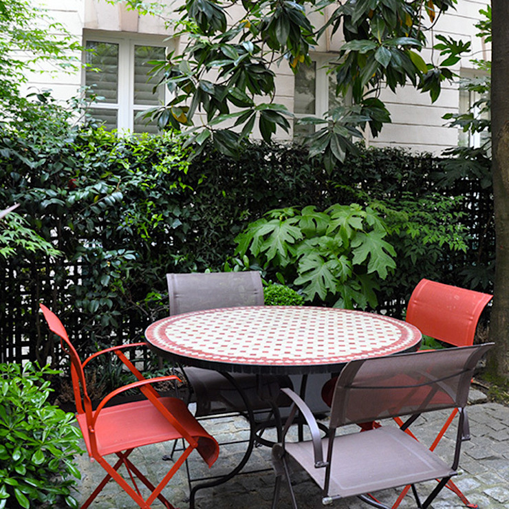 Classic style garden by GARDEN TROTTER Classic