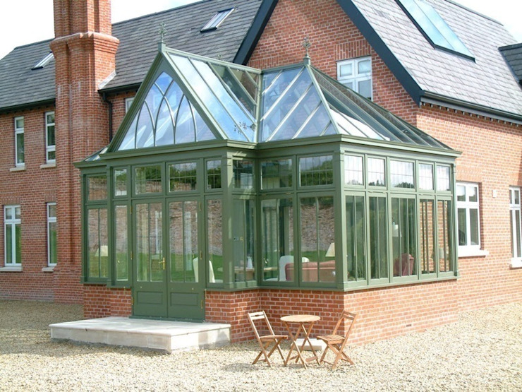 Hardwood Conservatory by Hampton Windows Класичний