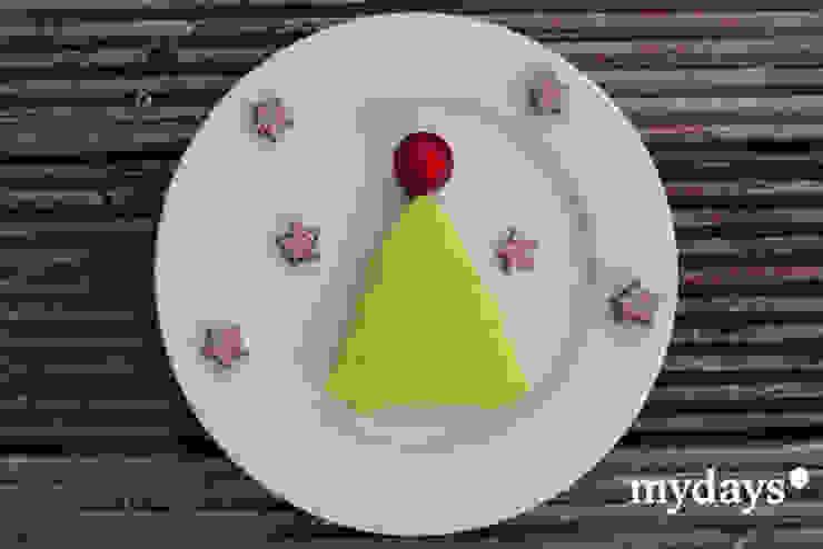 Weihnachtsdekoration selber machen: Servietten falten von mydays Ausgefallen