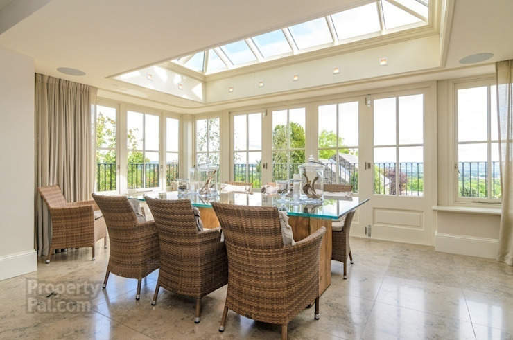 Hardwood Orangery Hampton Windows بيت زجاجي