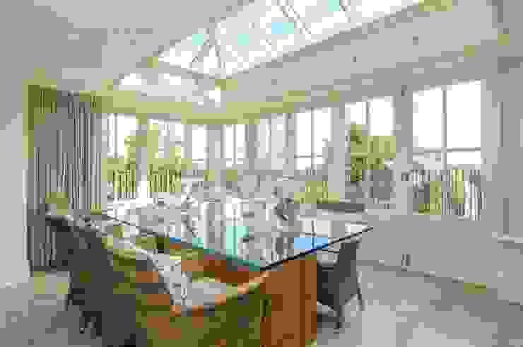 Hardwood Orangery من Hampton Windows كلاسيكي