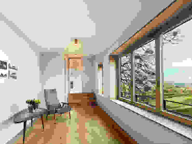 Modern Corridor, Hallway and Staircase by Spandri Wiedemann Architekten Modern Wood Wood effect
