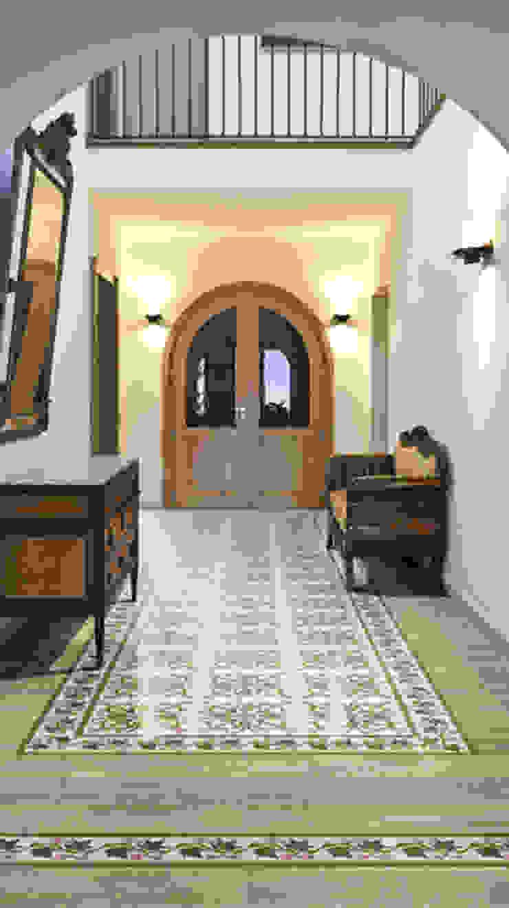 New Origins Azahar Pasillos, vestíbulos y escaleras de estilo rústico de INTERAZULEJO Rústico