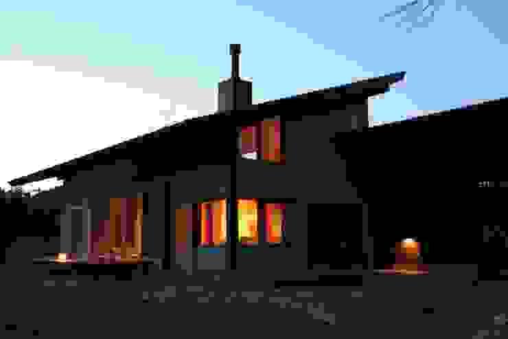 小淵沢の舎‐外観 オリジナルな 家 の 有限会社中村建築事務所 オリジナル