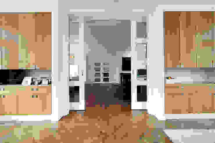 Begeleiden verbouwing, interieur-voorstel en levering van de meubels Moderne serres van Mood Interieur Modern