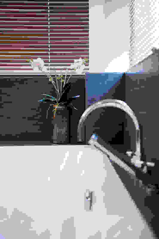 Begeleiden verbouwing,  interieur-voorstel en levering van de meubels: modern  door Mood Interieur, Modern