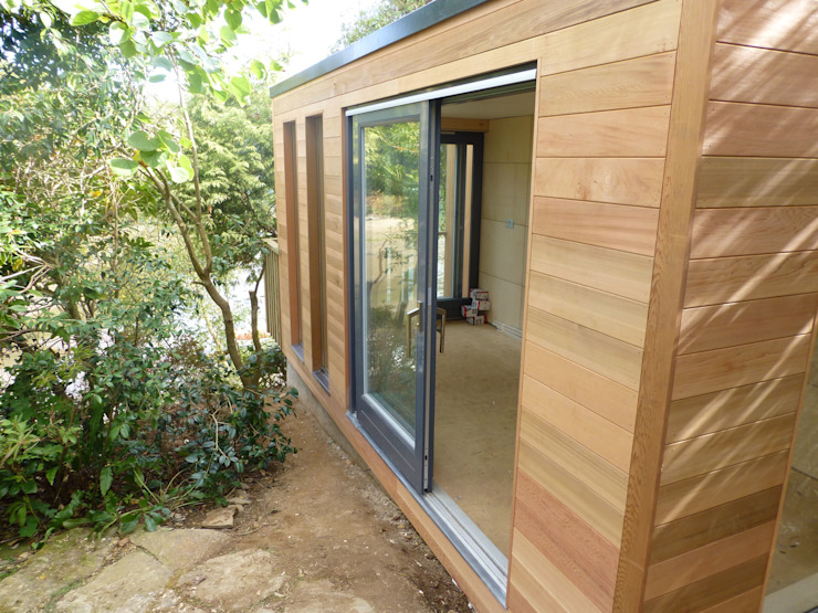 Malpas Project—Cornwall Modern garage/shed by Building With Frames Modern