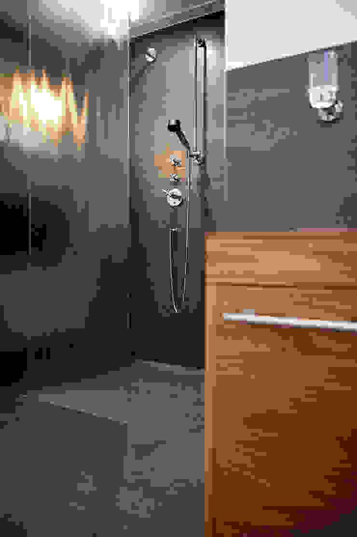 Begeleiden verbouwing, interieur-voorstel en levering van de meubels Moderne badkamers van Mood Interieur Modern