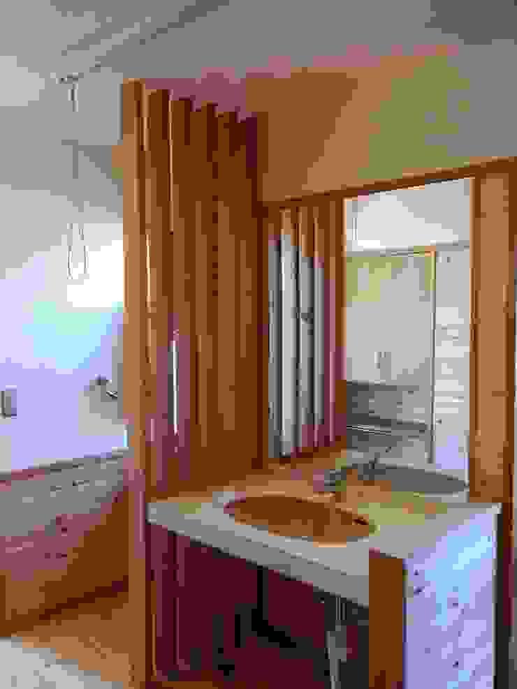 小淵沢の舎-洗面所 オリジナルスタイルの お風呂 の 有限会社中村建築事務所 オリジナル