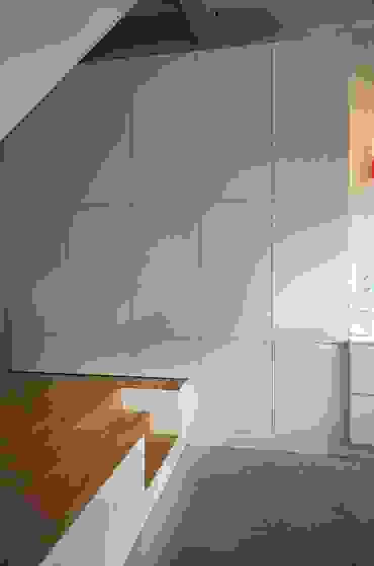 Bennebroekstraat, Amsterdam Moderne woonkamers van Bendien/Wierenga architecten Modern