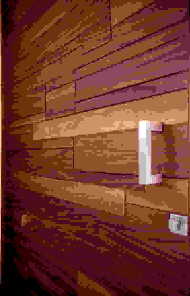 Puerta de Ingreso / Producto Final Puertas y ventanas modernas de BANG arquitectura Moderno