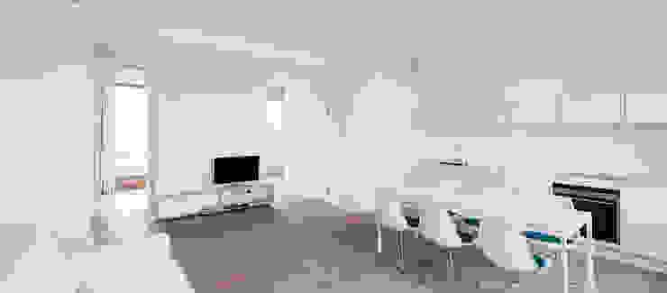 Möller Mainzer Architekten GmbH Minimalist living room