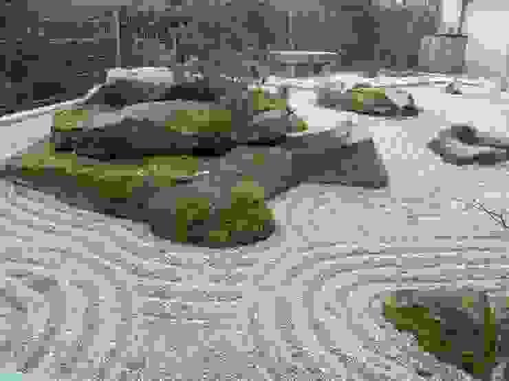 Asian style gardens by Gärten für die Seele - Harald Lebender Asian