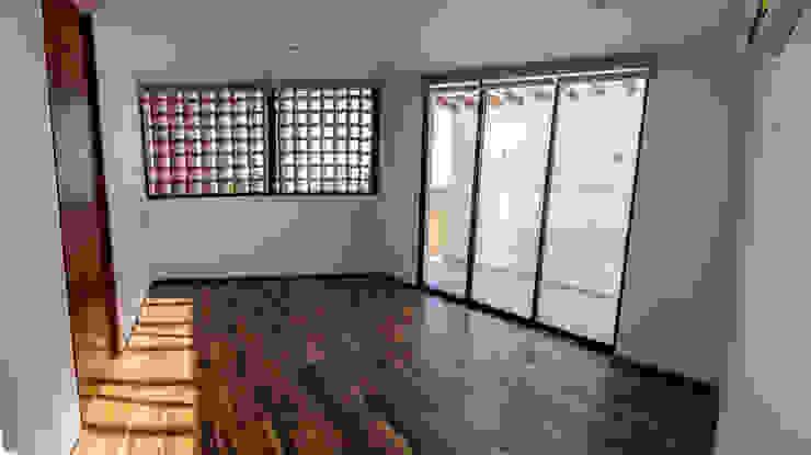 Recamara principal Dormitorios modernos de BANG arquitectura Moderno