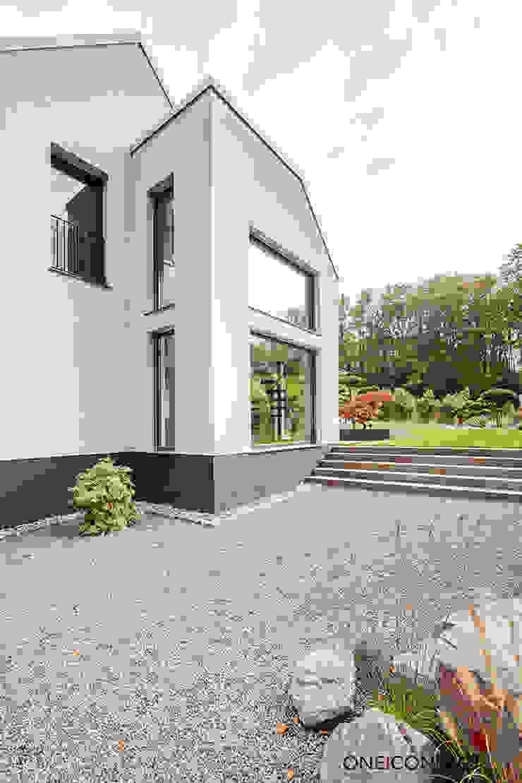 Modern home by ONE!CONTACT - Planungsbüro GmbH Modern