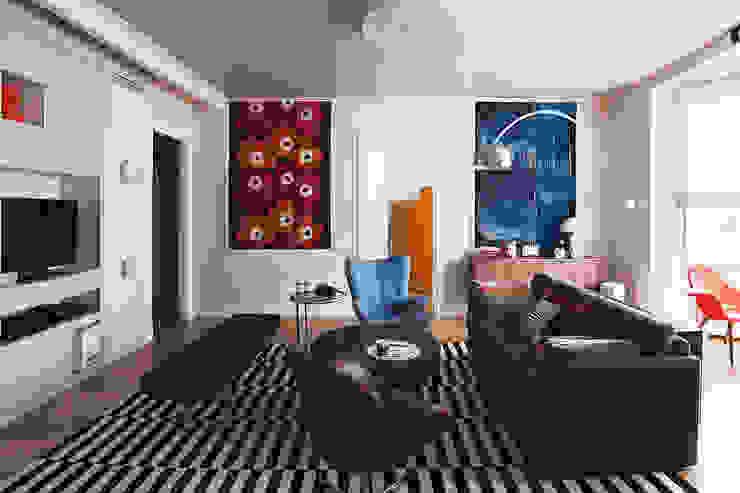 гостиная, вид на детскую от Ирина Крашенинникова: интерьерный дизайн и декорирование
