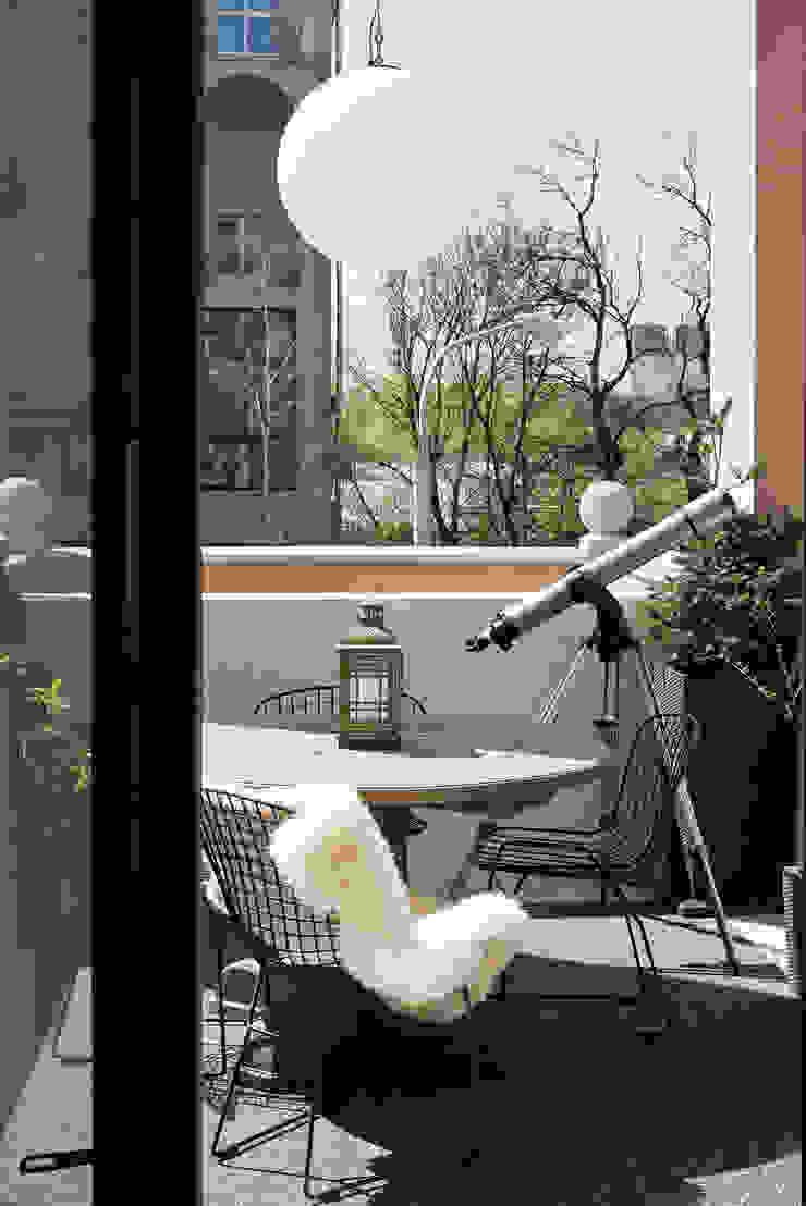 Квартира возле Нескучного сада от Ирина Крашенинникова: интерьерный дизайн и декорирование