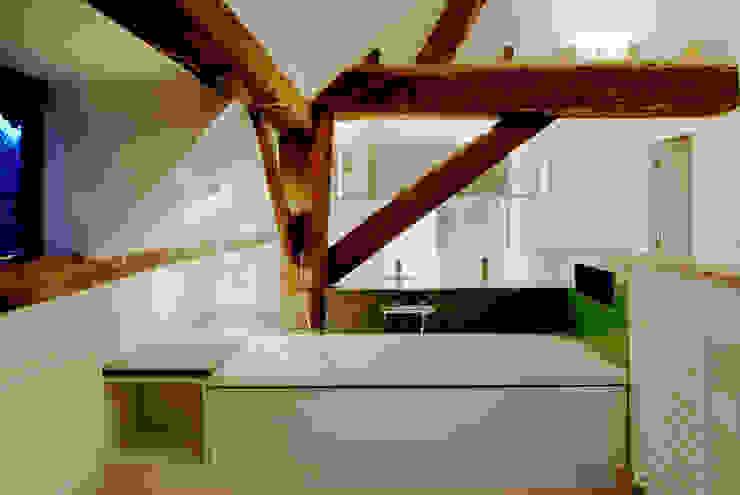 Pye Barn Master Ensuite Bathroom Modern bathroom by David Nossiter Architects Modern