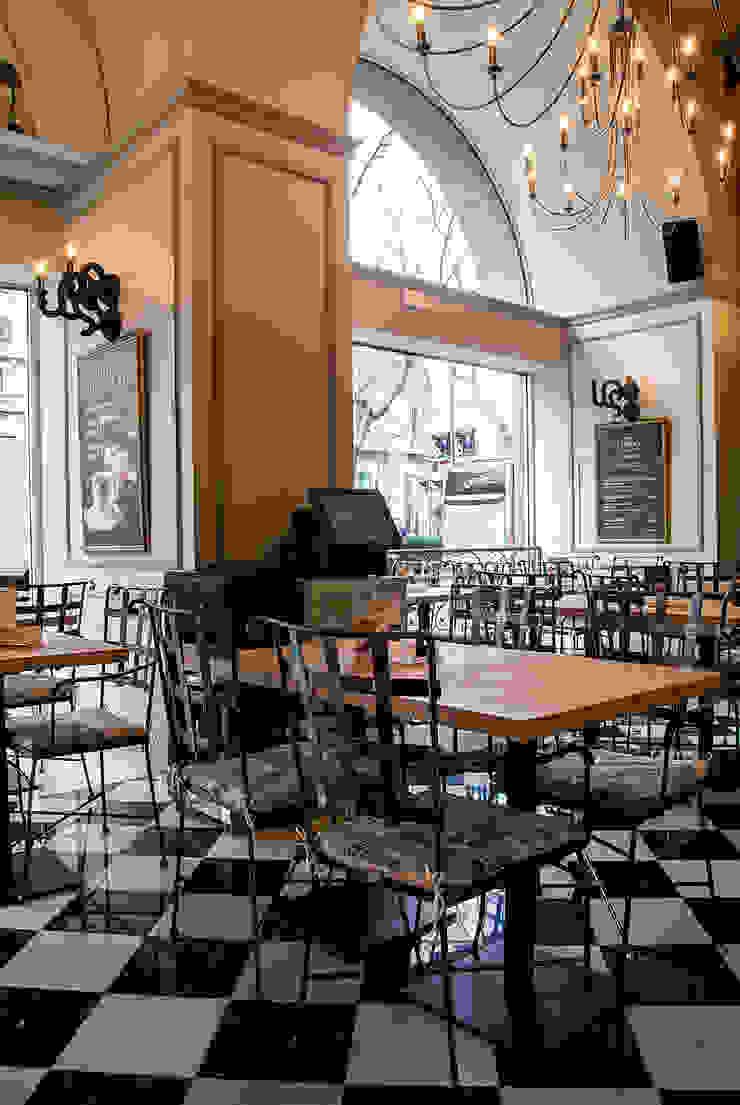 Hall Gastronomía de estilo colonial de Carlos Martinez Interiors Colonial