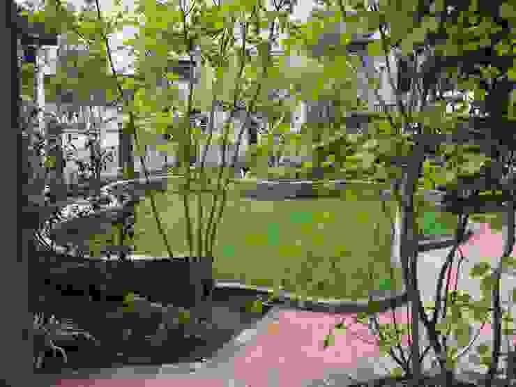 Vườn phong cách đồng quê bởi 空間工房 欅 Đồng quê