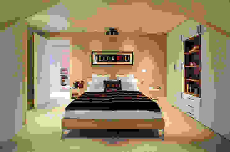 Master Bedroom Modern style bedroom by TG Studio Modern