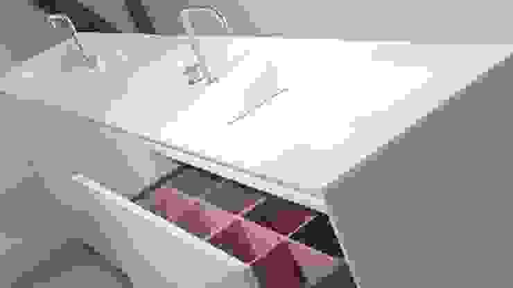 Minimalist style bathroom by Studio Doccia Minimalist