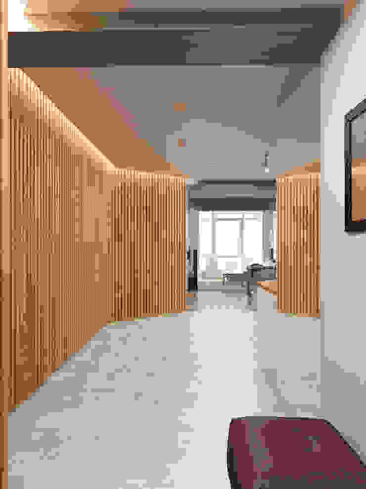 Дерево и бетон Коридор, прихожая и лестница в стиле лофт от Дизайн студия Александра Скирды ВЕРСАЛЬПРОЕКТ Лофт