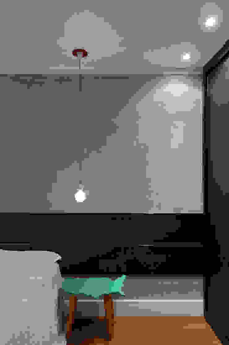 Dormitórios adolescentes! Quartos modernos por Johnny Thomsen Arquitetura e Design Moderno