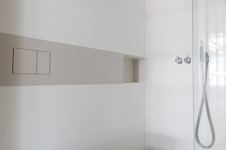Minimalist style bathrooms by Studio Doccia Minimalist