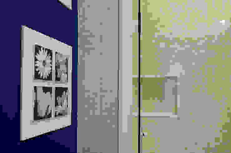 Suíte Banheiros clássicos por Paula Werneck Arquitetura Clássico