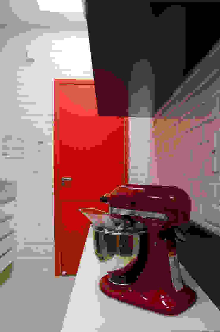 Cozinha Cozinhas clássicas por Paula Werneck Arquitetura Clássico
