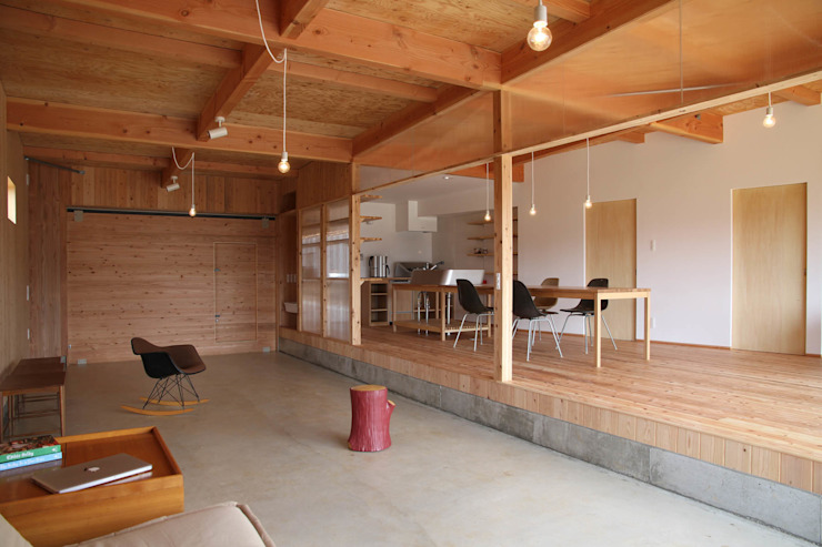 Hinanai Village House Modern style media rooms by dygsa Modern