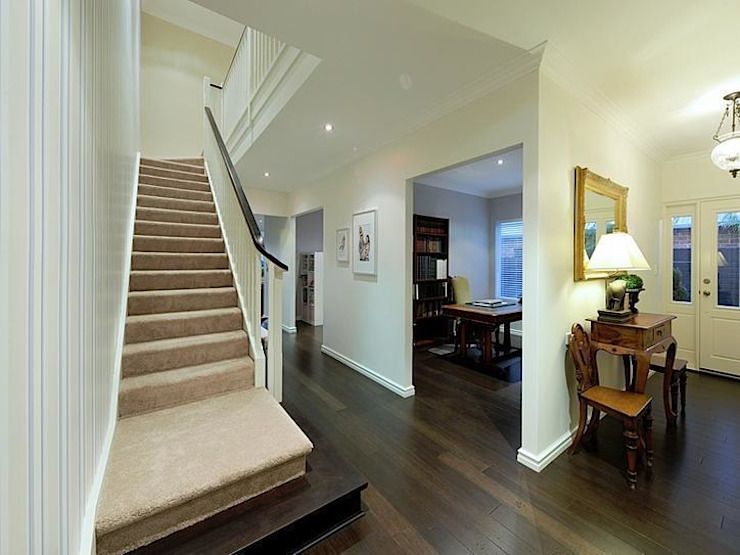 Finished Homes Classic style corridor, hallway and stairs by New Home Building Brokers Classic