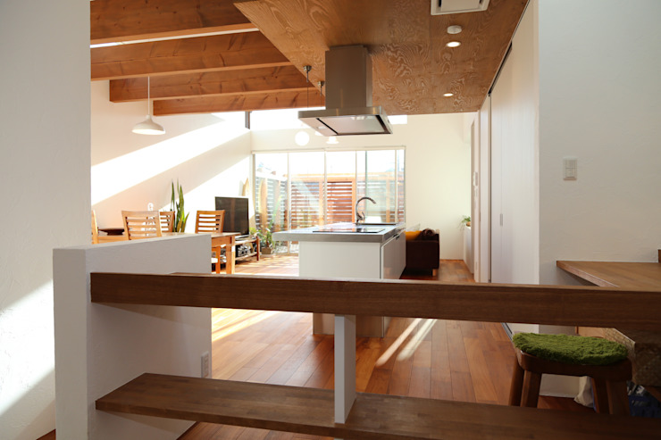 HOUSE T・N オリジナルデザインの キッチン の nagena オリジナル