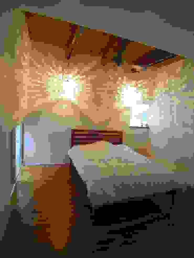 HOUSE T・N オリジナルスタイルの 寝室 の nagena オリジナル