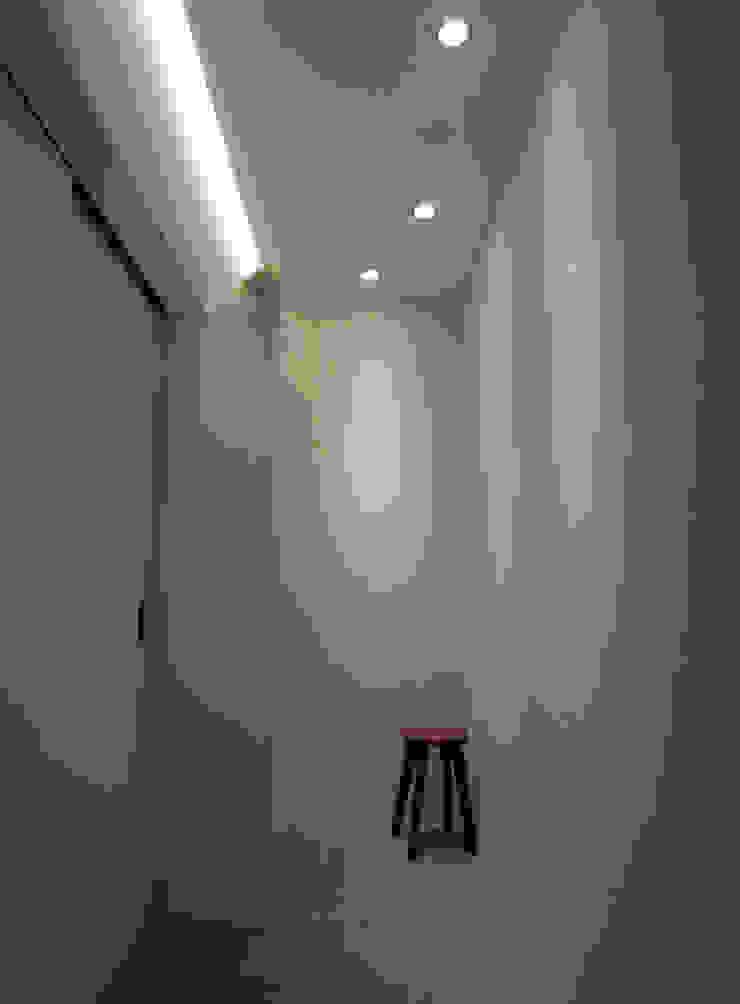 nagena 隨意取材風玄關、階梯與走廊