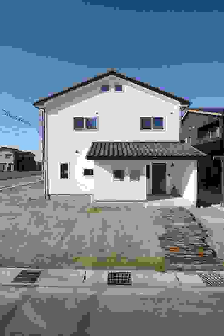 真っ白漆喰塗の家~外観~ オリジナルな 家 の KanonStylehome! 野末建築 オリジナル
